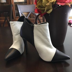 Shoe mint black and white heel booties